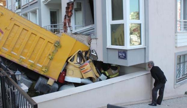 Deprem gibi kaza!