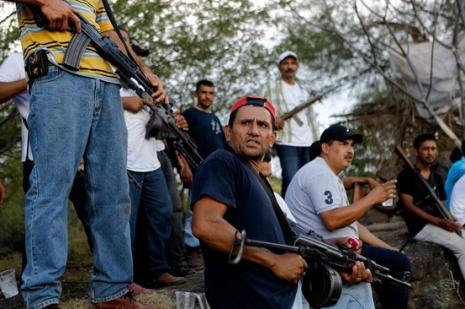 Halk savunma grupları kartelle savaşıyor