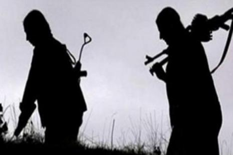 6 PKK'lı abur Kara Hudut Kapısı Emniyet Amirliği'ne teslim oldu