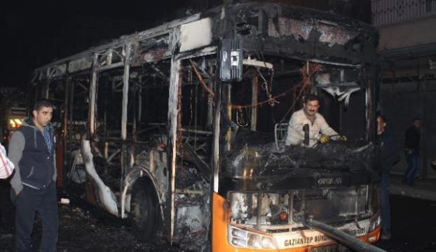 Belediye otobüsüne molotofkokteyli saldırı