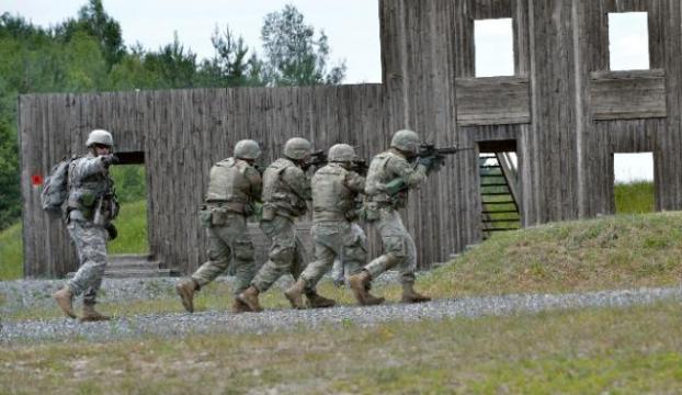 Bin 500 Amerikan askeri yolda