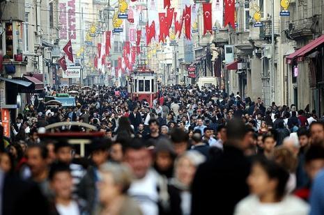 Türkiye nüfusunun yarısı 30 yaşın altında