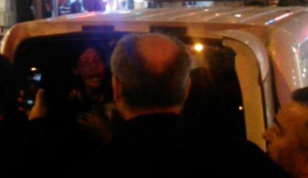 Çantasını aratmak istemeyen genç kız gözaltına alındı