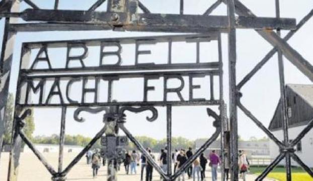 Nazi toplama kampının kapısı çalındı