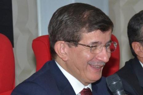 Davutoğlu yeni yapılan Parti il binasını açtı