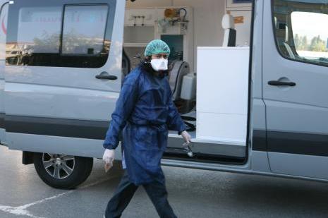 Ebola şüphesiyle hastaneye böyle getirildi