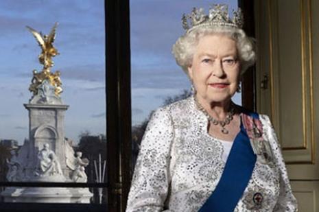 İngiltere Kraliçesi 2. Elizabeth'ten ilk tweet