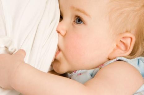 Anne sütünü bırakmada doğru zaman önemli
