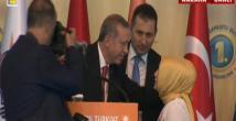 Erdoğanın yanına gelen kız ne söyledi?