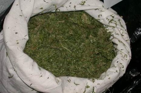 Kırşehirde 850 gram esrar ele geçirildi