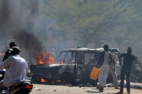 Burkina Faso Devlet Başkanı istifa etti