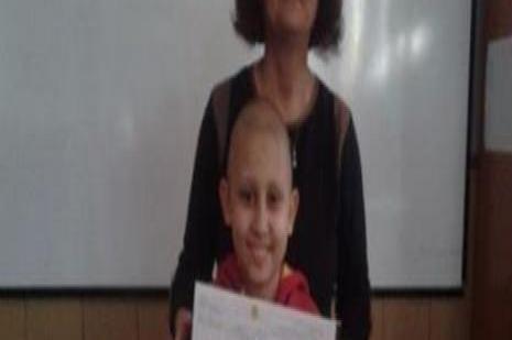 Öğretmen kanser hastası öğrencisi için çırpınıyor