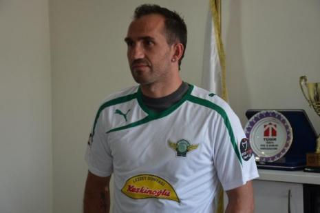 Akhisar Belediyespor'un golcü futbolcusu Theofanis Gekas güreşçi olduğu ortaya çıktı