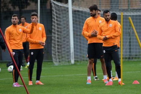Galatasaraylı iki futbolcudan kötü haber