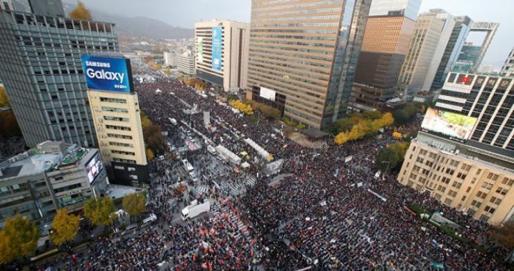 Güney Koreliler, Devlet Başkanlarının istifasını istediler
