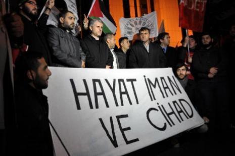 Mescid-i Aksanın kapatmasını protesto ettiler