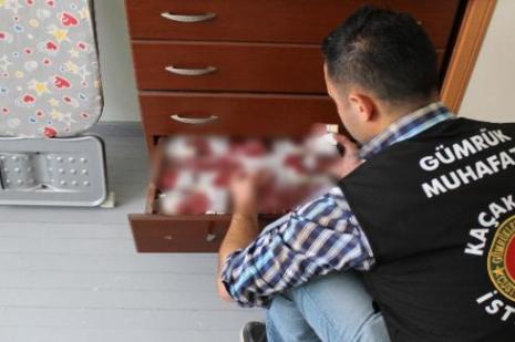 İzmirde kaçak sigara operasyonu