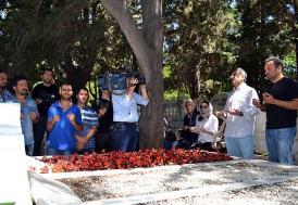 Kemal Sunal vefatının 14. yıılında mezarı başında anıldı!