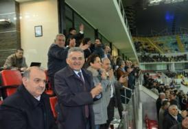 Melikgazi Belediyesi Erciyesspor'u yalnız bırakmadı