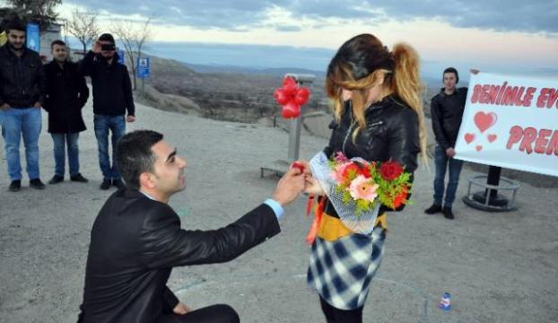 Romantik evlilik teklifi...