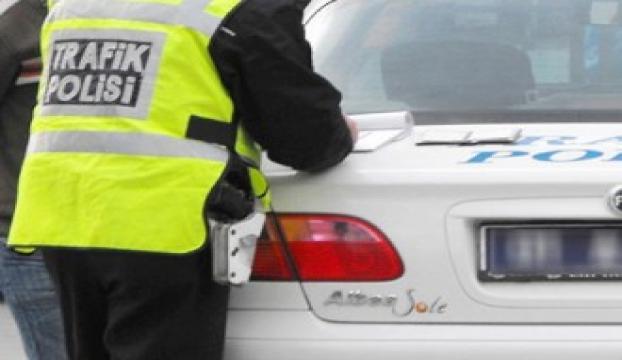 Sığınmacıların araçlarına geçici trafik belgesi verilecek
