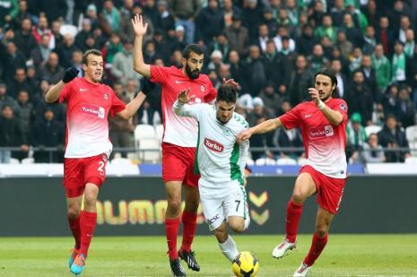 Torku Konyaspor-Gaziantepspor maçında ilk yarı