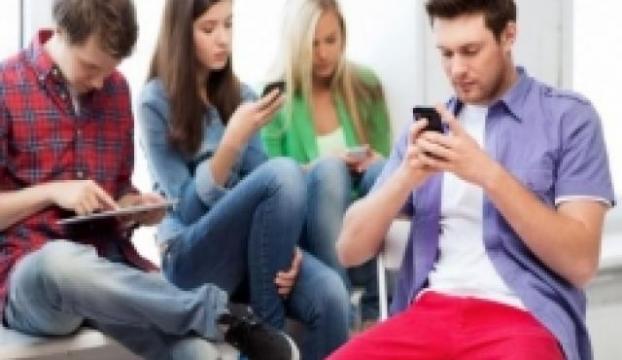 Sürekli mesajlaşma sağlığınızı bozabilir!
