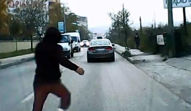 Trafikte ölüm oyunu