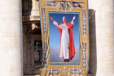 İlk papa kutsal ilan edildi