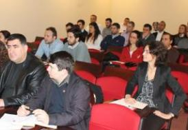 UİB'den uluslararası pazar ve piyasa araştırmaları semineri