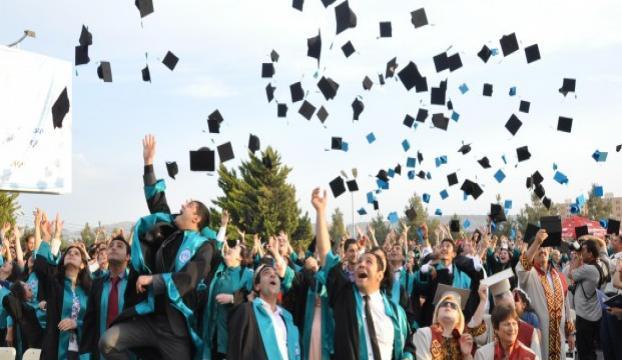 Yüzbinlerce üniversite mezununa müjde!