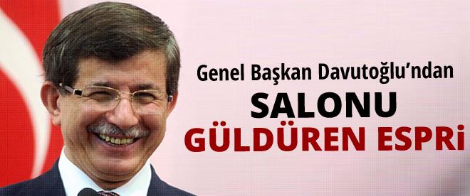 Davutoğlu'dan salonu güldüren espri